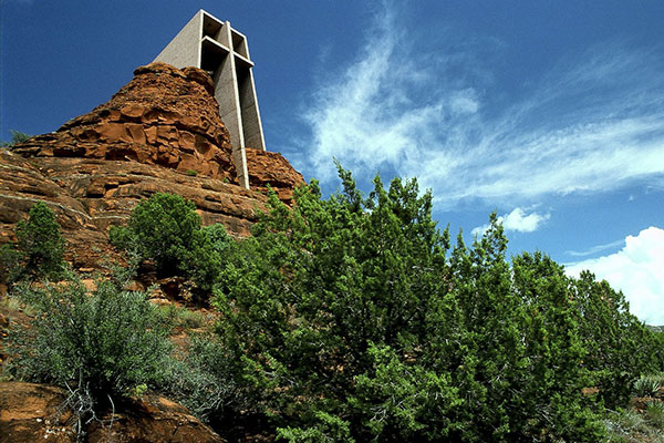 Sedona and Chapel of the Holy Cross